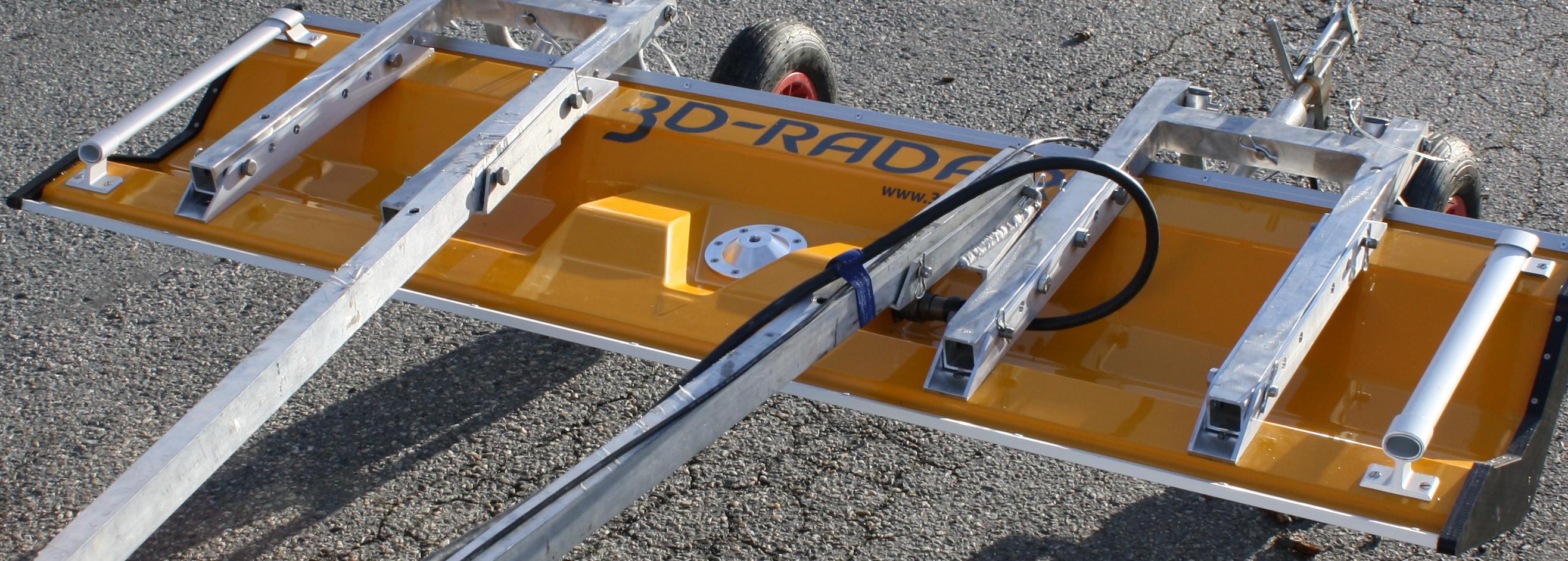 DX1821 Antenna on trailer